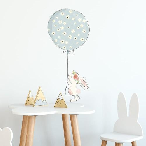 0671ea4103bb Naklejka z królikiem i balonem do pokoju dziecięcego